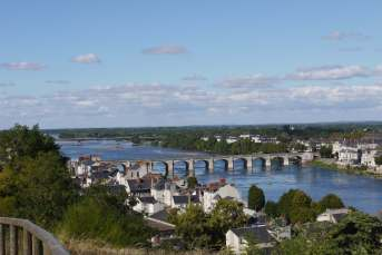 Loire-Brücke in Saumur