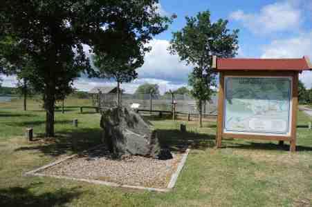 Gedenkstein für das Dorf Stresow